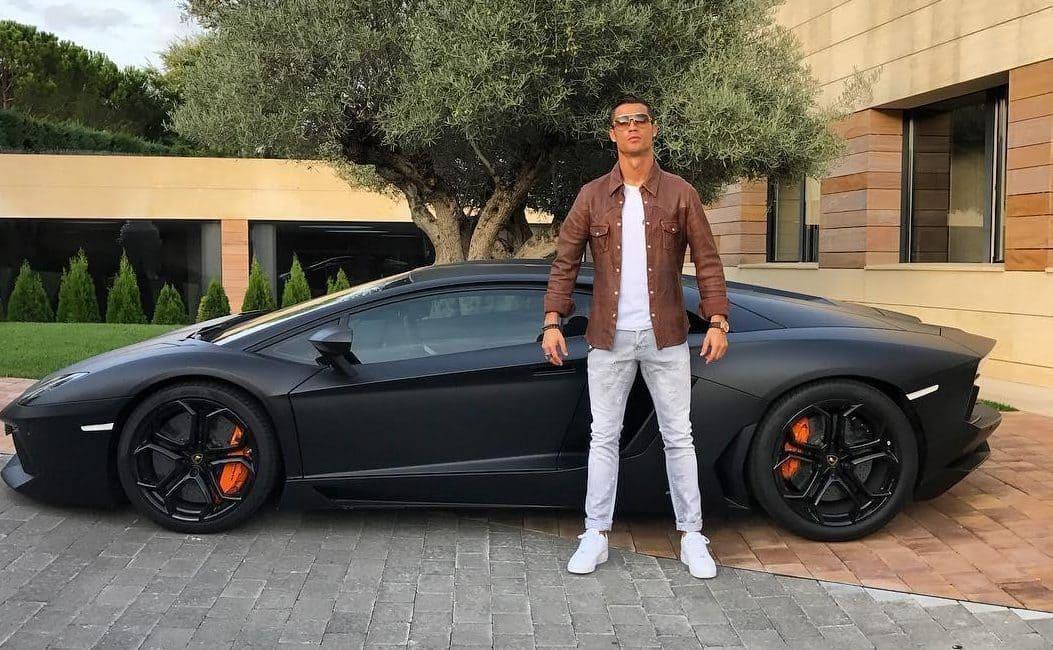 Cristiano Ronaldo Wiki, Age, Bio, Girlfriends, Net Worth & More 9