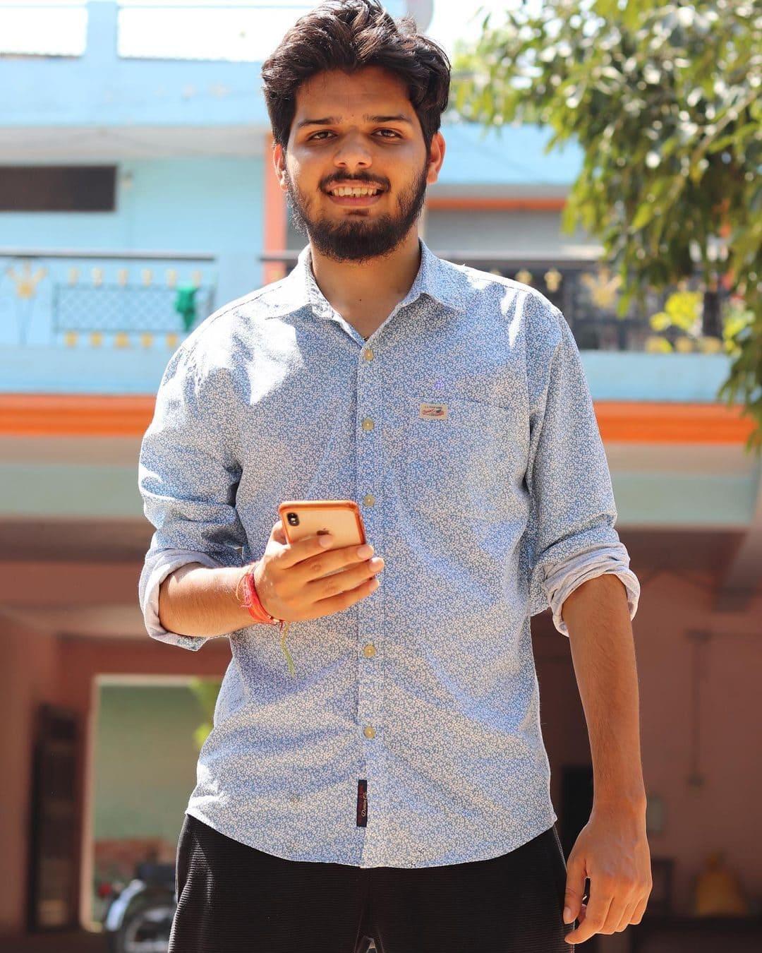 Lakshay Chaudhary (YouTuber) Wiki, Age, Bio, Career & More 3