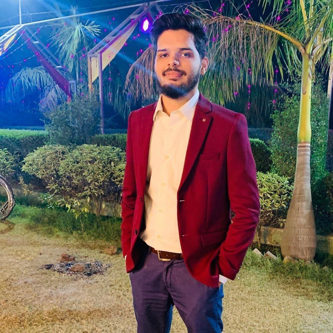 Lakshay Chaudhary (YouTuber) Wiki, Age, Bio, Career & More 7