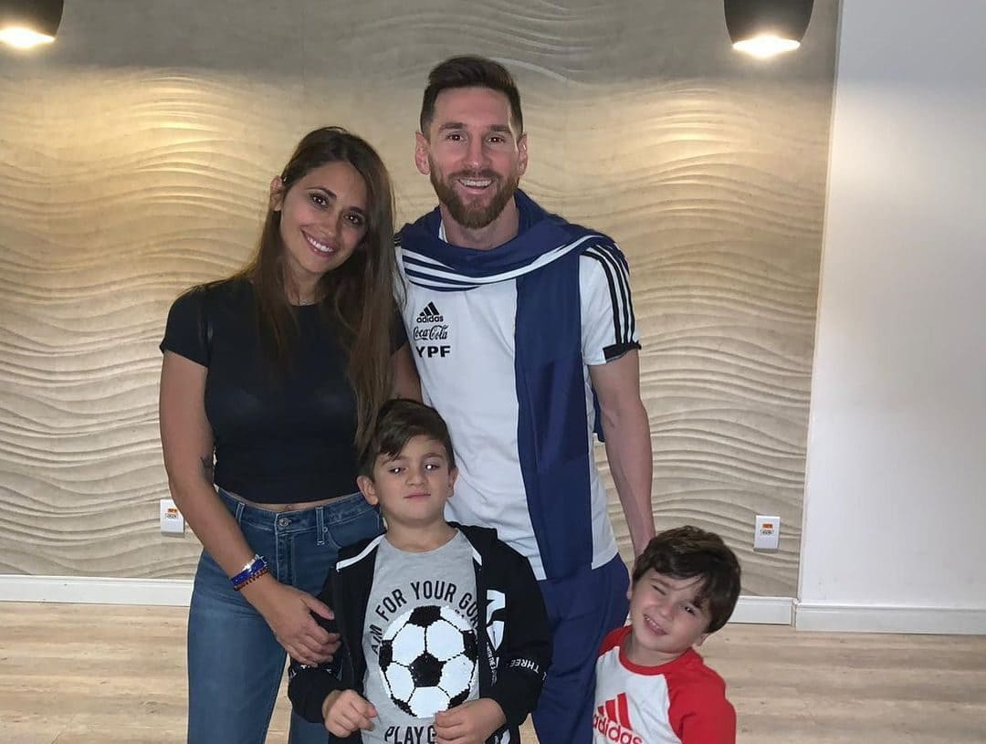 Lionel Messi With His Wife and Children's