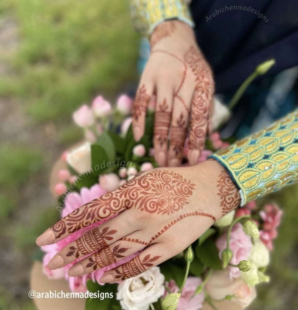 Alizeh Jamali (Henna Artist) Wiki, Age, Family, Facts & More 13