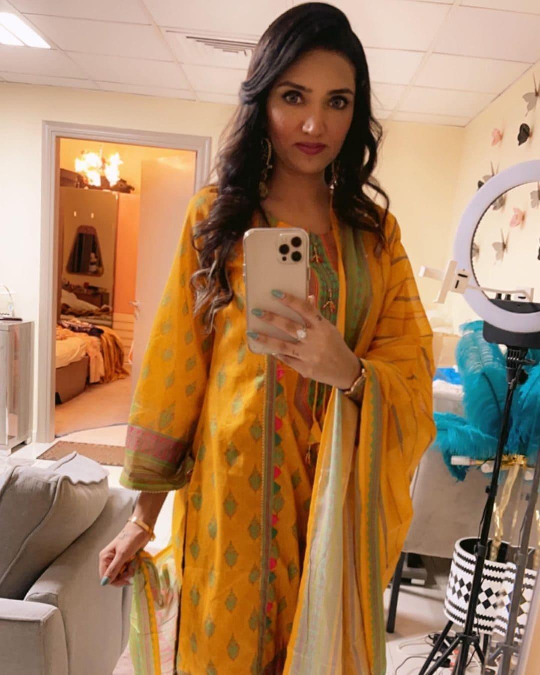 Sana Baloch (Model) Wiki, Age, Family, Net Worth & More 3