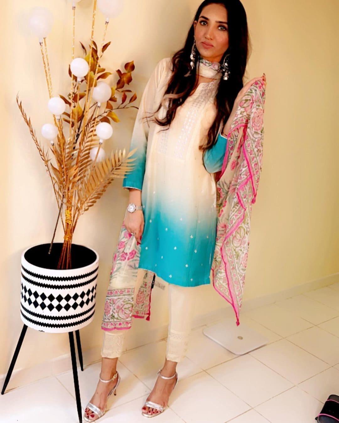 Sana Baloch (Model) Wiki, Age, Family, Net Worth & More 5