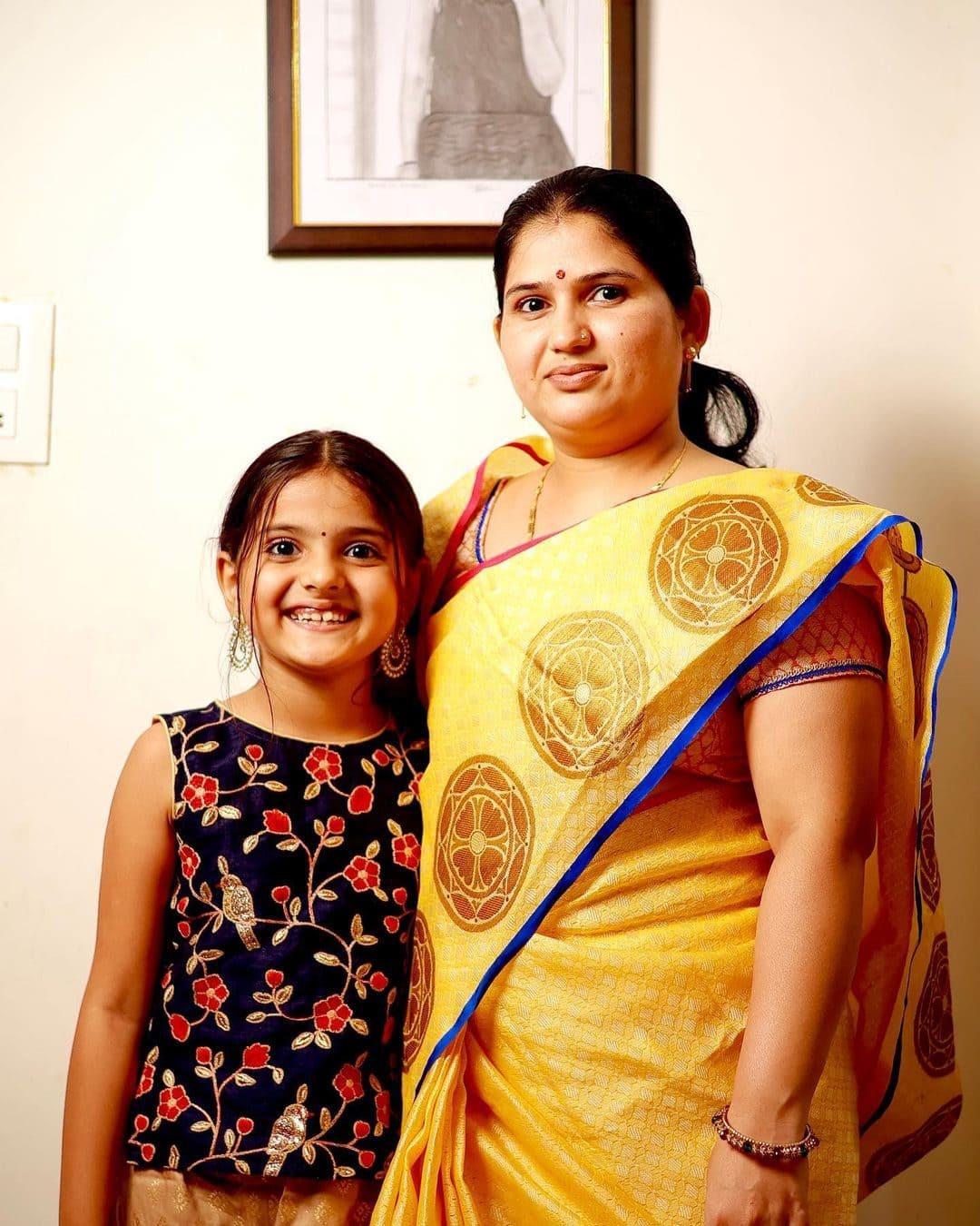 Shivanjali Porje with her mother Shivanjali Porje