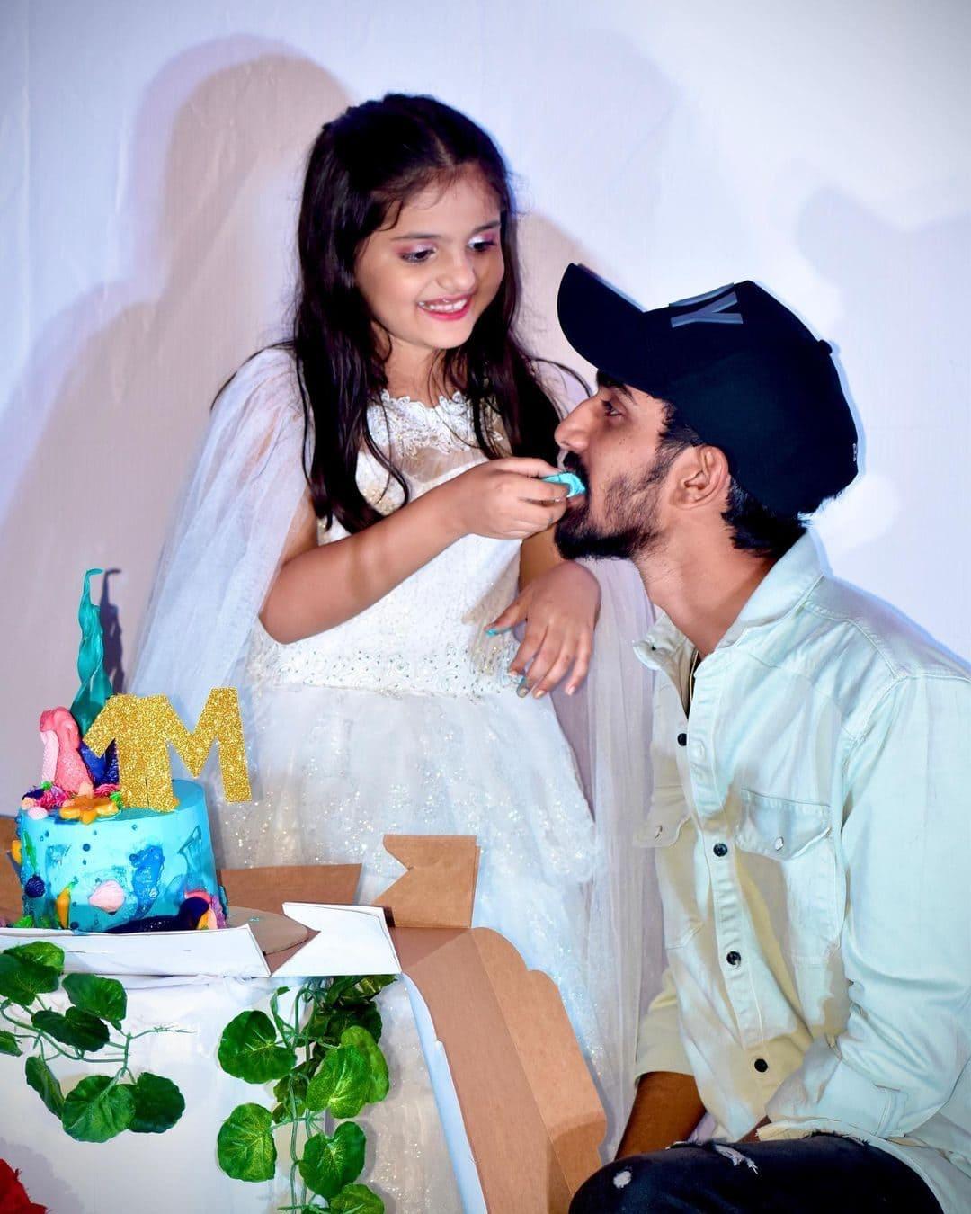 Shivanjali Porje with her brother Pratik Porje