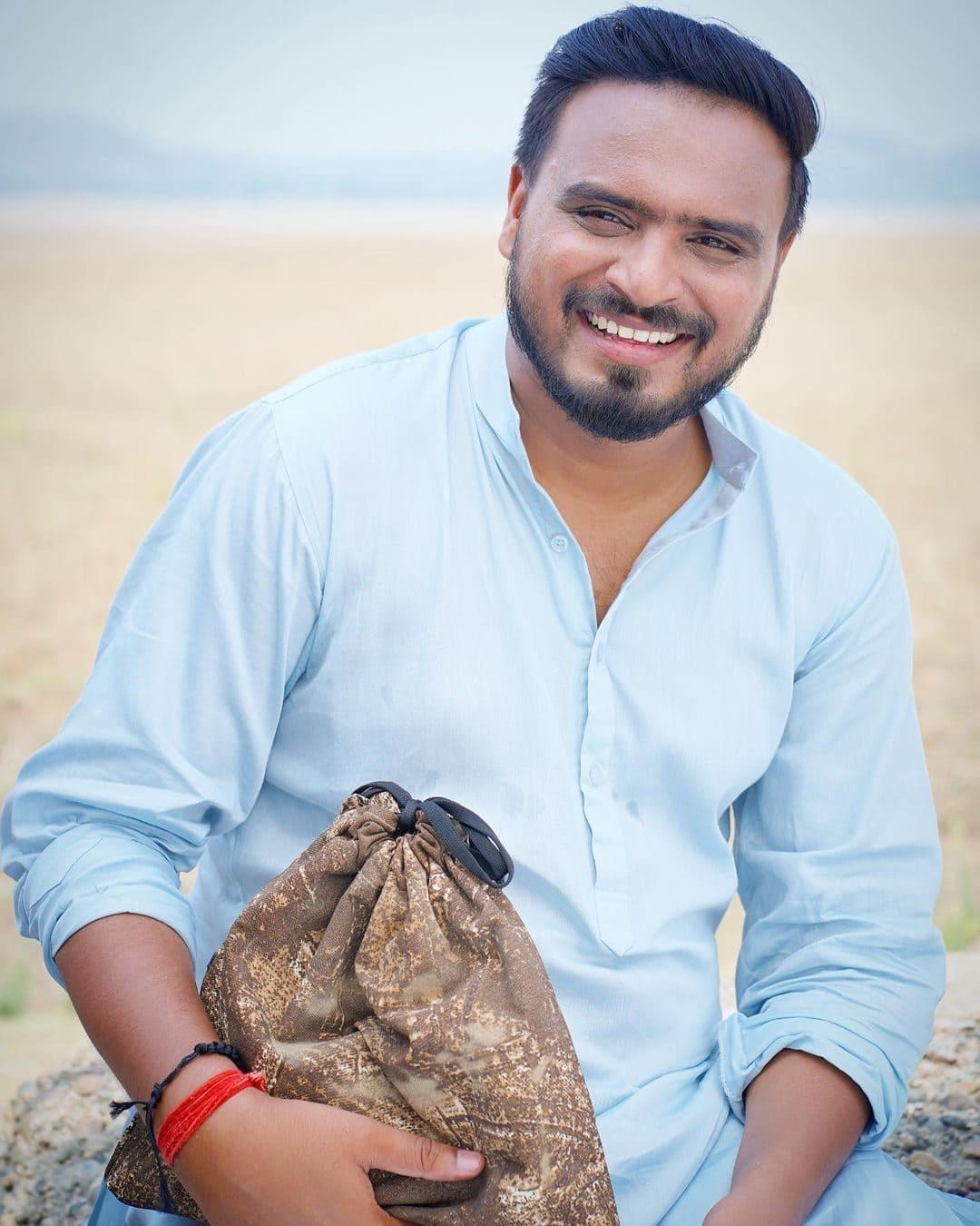 Amit Bhadana (YouTuber) Wiki, Age, Girlfriends, Net Worth & More 11