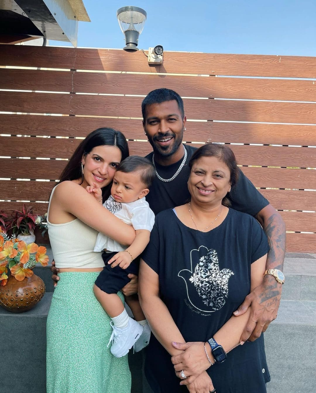 Hardik Pandya with his Family
