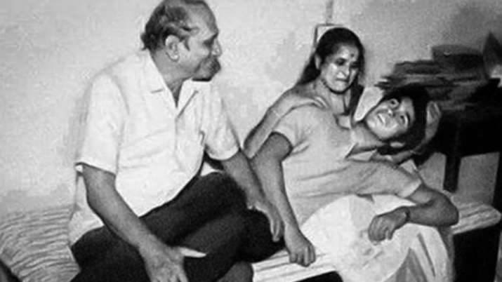 Sachin with his parents