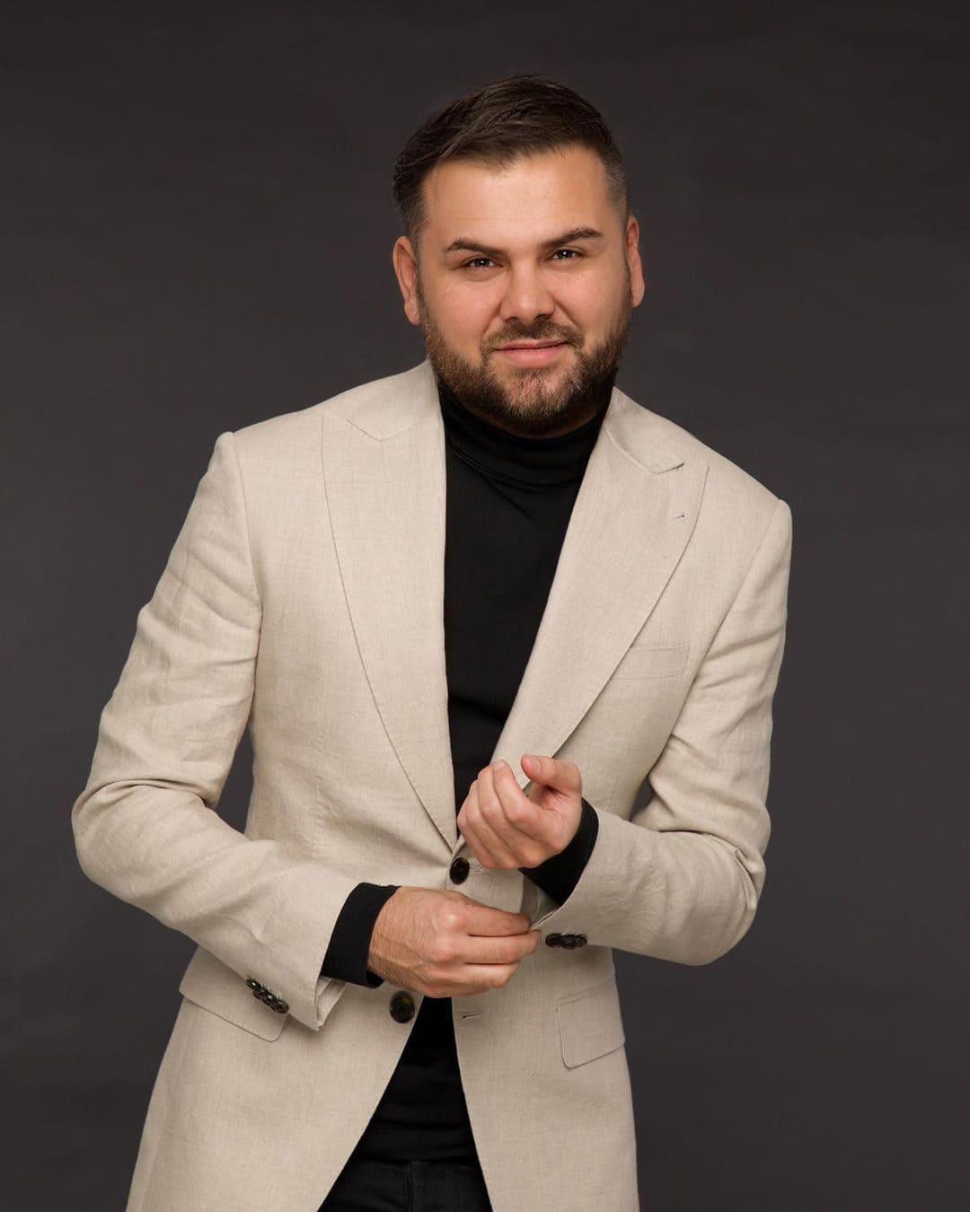 Saygin Yalcin (Entrepreneur) Wiki, Age, Wife, Net Worth & More 5