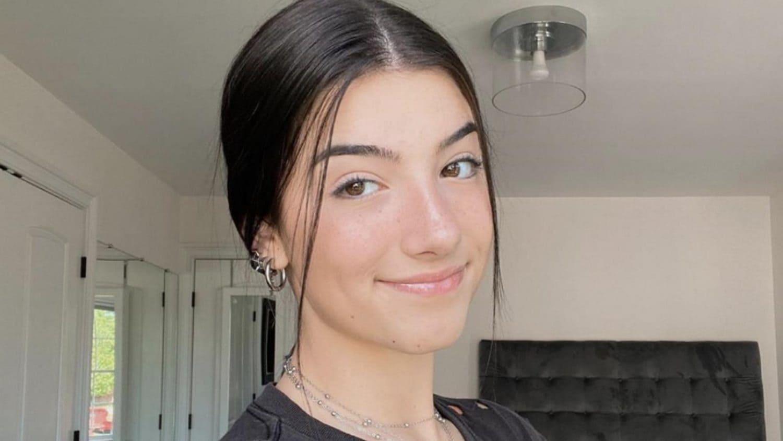 Charli D'Amelio (Dancer) Wiki, Age, Boyfriends, Net Worth & More 10
