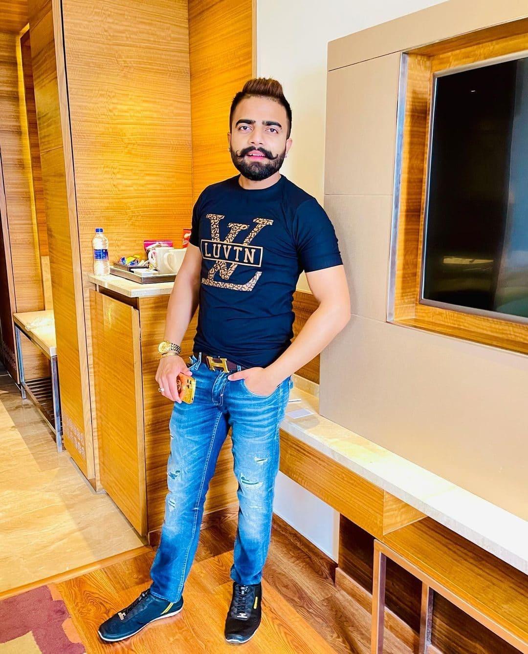 Naman Pachori (Entrepreneur) Wiki, Age, Girlfriends, Net Worth & More 3