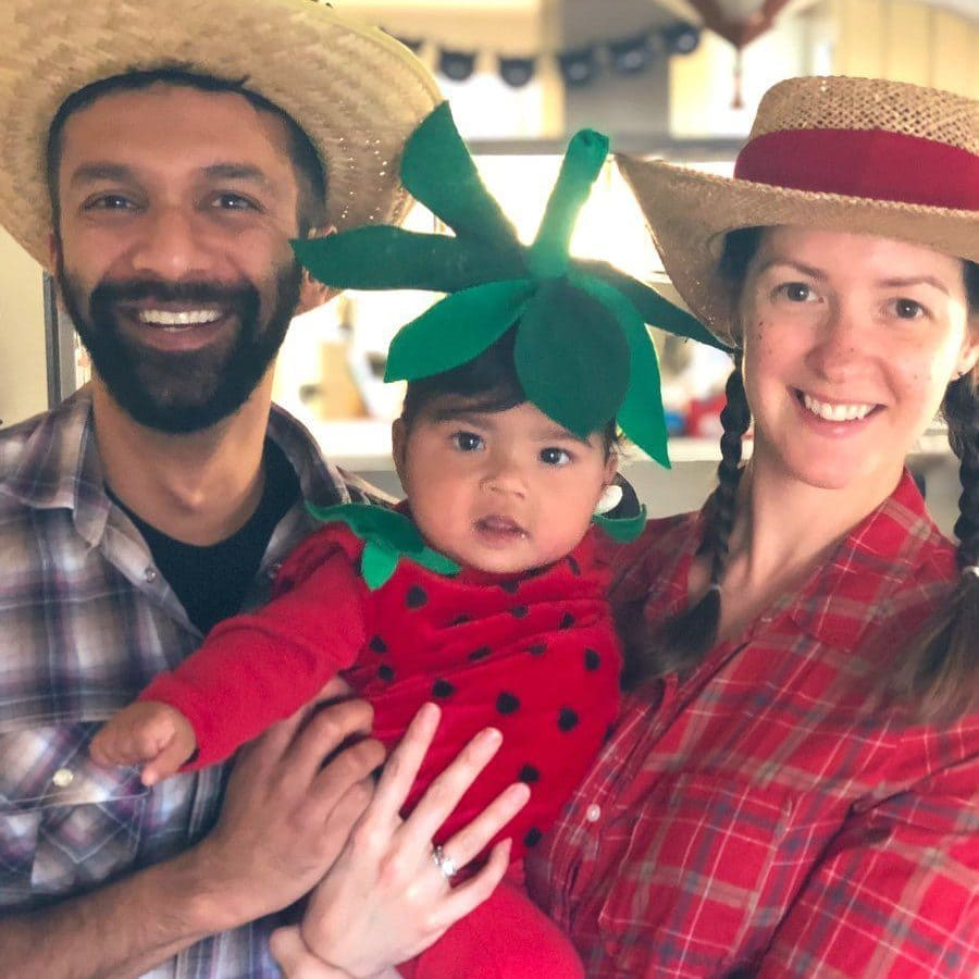 Rohan Seth with his Wife & Daughter