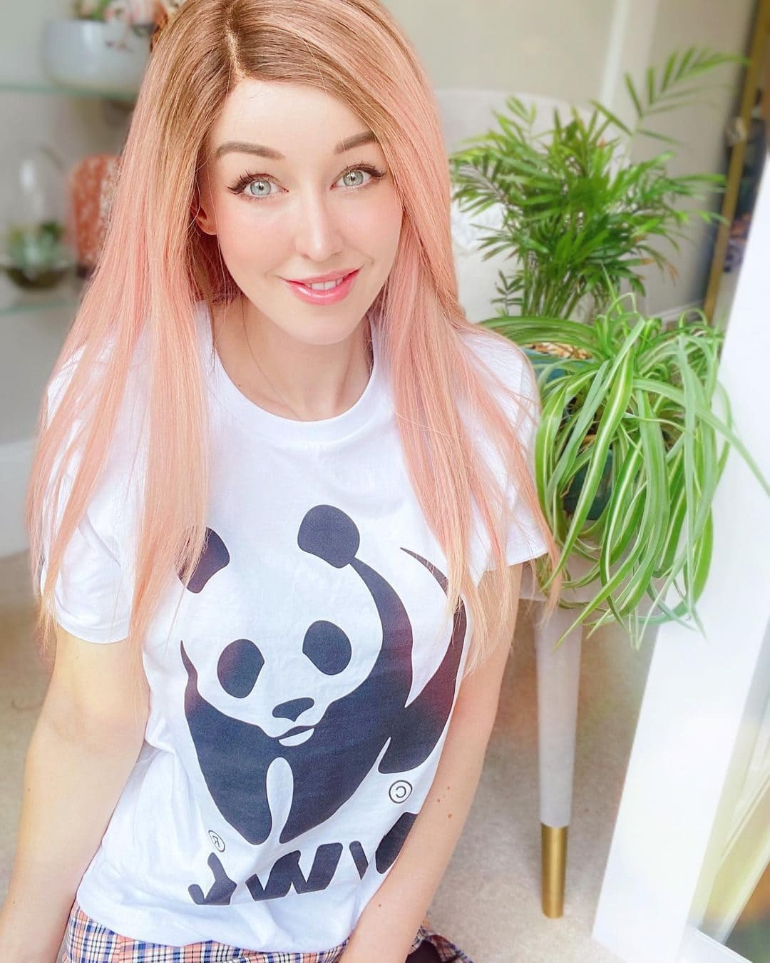 Clare Siobhan (YouTuber) Wiki, Age, Boyfriends, Net Worth & More 3